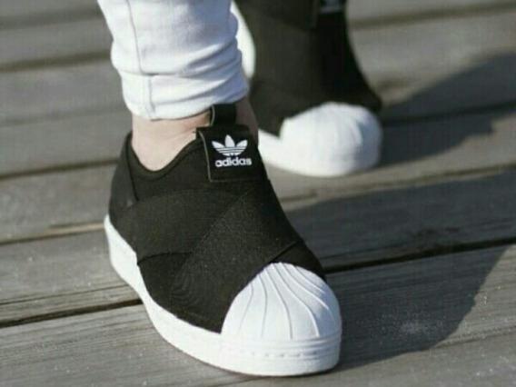 Zapatillas Slip On Negras.