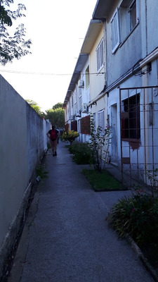 Apartamento Dúplex En Complejo Emancipación Esq. Faramiñán