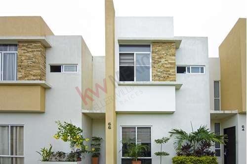 Casa En Venta En Nuevo Vallarta, Desarrollo El Roble Con Seguridad 24 Horas