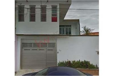 Casa En Fraccionamiento Privado En Coatzacoalcos