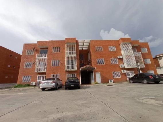 Apartamentos En Alquiler Chucho Briceño Cabudare 21-6168 J&m