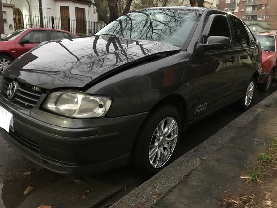 Volkswagen Polo 1.9 Diesel 2006 Impecable Pero Chocado Poco