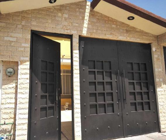Casa De 3 Recamaras Y 2 Y Medio Baños, Uno Con Tina De Hidro