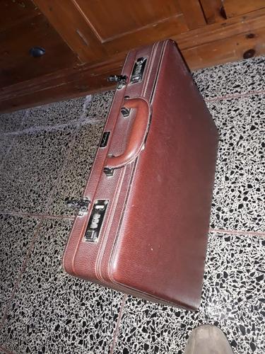 Attached . Portafolio Simil Cuero Pierre Cardin . Usado