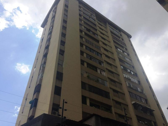 Apartamentos En Venta - La Urbina - 19-17277