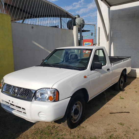 Nissan Np300 2.4 Pick-up Dh Mt 2013