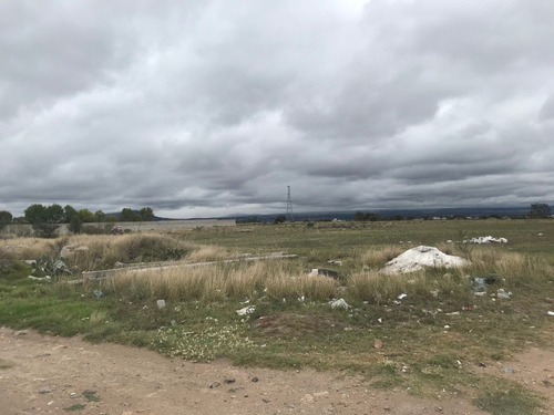 Imagen 1 de 5 de Terreno Plano Regular Carretera 55 Queretaro-toluca, Salida A Tlacomulco