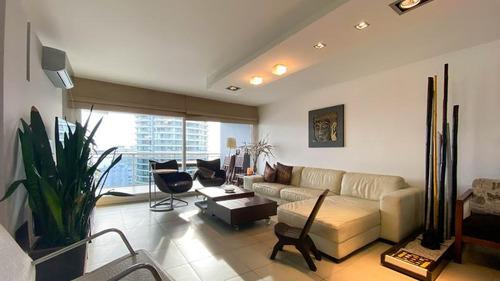 Venta Y Alquiler Anual De Apartamento De 3 Dormitorios Con Vista Al Mar