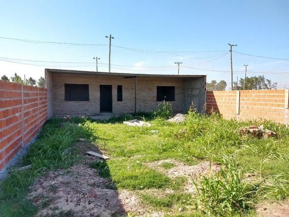 Casa En Barrio Los Lapachos - Perez - Escritura Inmediata- Todos Los Servicios