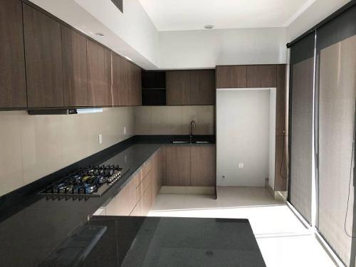 Preciosa Casa En Venta En Residencial Victoria En Coto En Guadalajara