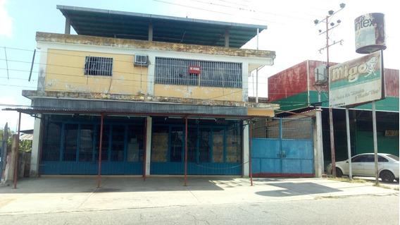 Local Comercial, Edificio De 3 Plantas Y Apartamentos En Ven