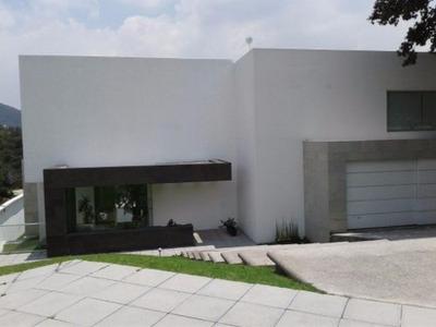 Exclusiva Y Moderna Casa En Renta En Rancho San Juan.