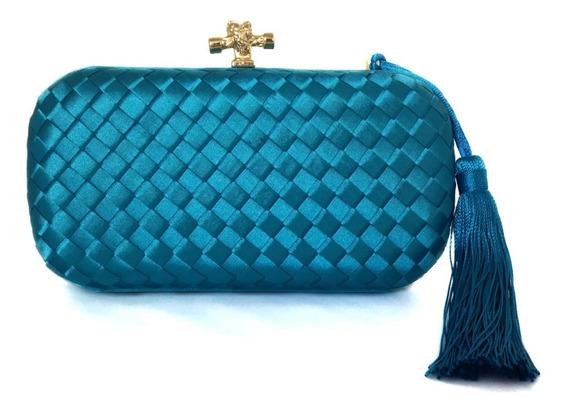 Bolsa Clutch Cetim Trançada Azul Pom-pom