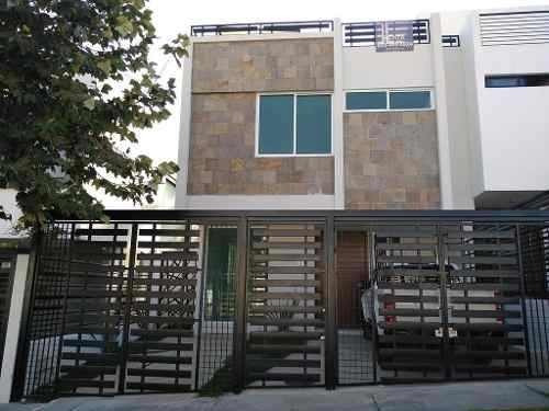 Casa Nueva Con 4 Recamaras Y Roof Garden, Bosques Vallarta