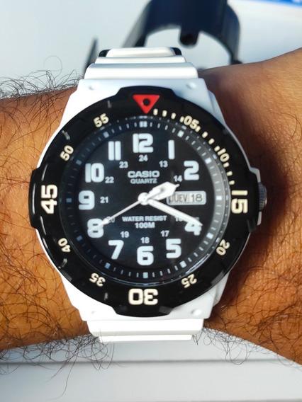 Relógio Casio Mrw-200hc-7bvcf Branco E Preto Original