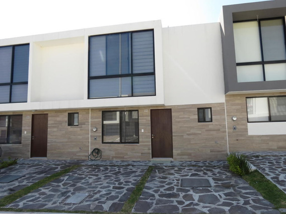 Casa En Renta En El Refugio, Queretaro, Rah-mx-19-2405