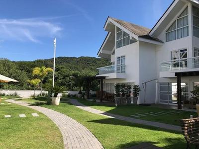 Condomínio Fechado No Estaleiro Com 6 Quartos Para Venda, 200 M² - Lg7276