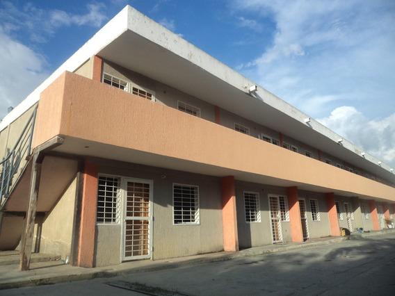 Apartamento En Venta Cabudare Lara 20-3231 J&m 04121531221