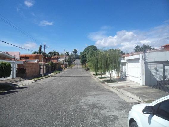 Casa En Venta Santa Elena Barquisimeto 20-316 Mf