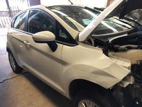 Ford Fiesta Kinetic 1.6n 5p 2015 Chocado Poco De Frente