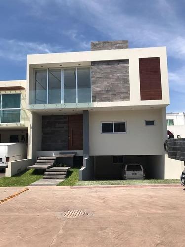 Casa De Lujo En Villa La Cima En Av Juan Palomar