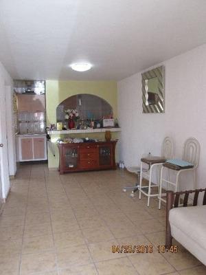 Casa De Dos Pisos En Zumpango