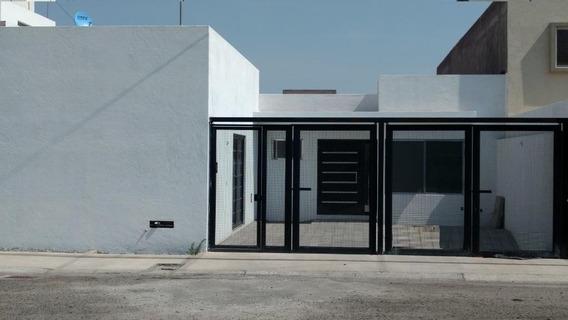 Casa Renta Colinas Del Cimatario 1 Nivel 2 Rec 2 Est Factura