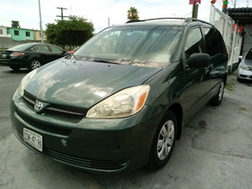 Vendo Camioneta Toyota Sienna Color Verde, Año 2005