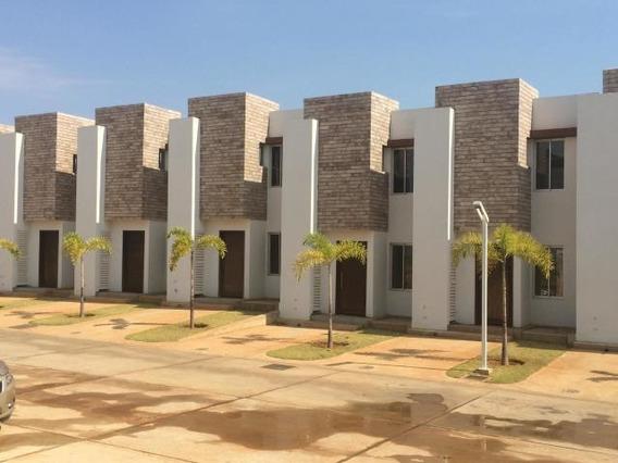 Town House Circ. 1 .mls #20-1087 . Luis Infante 0414 3283509