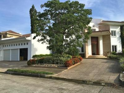 Vendo Espectacular Casa Amoblada En Costa Del Este 16-3360
