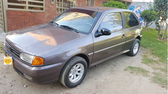 Volkswagen Gol 1997 Motor 1.600cc. Full Injection Gris Coupe