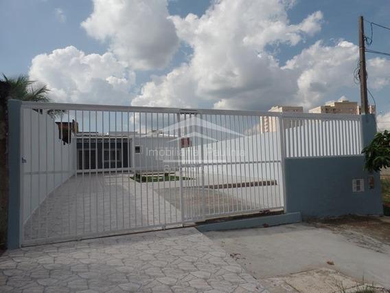 Casa À Venda Em Parque Dos Servidores - Ca004448