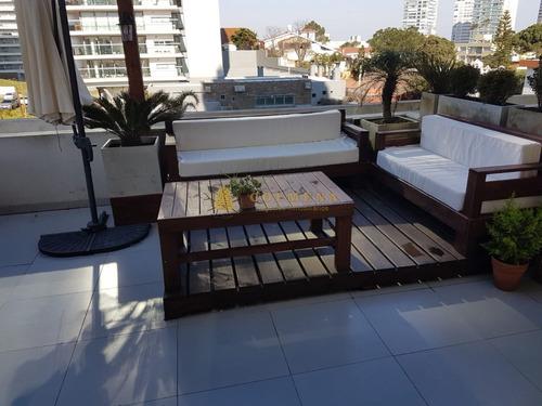 Apartamento En Brava 2 Dormitorios Con Una Espectacular Terraza!- Ref: 4051