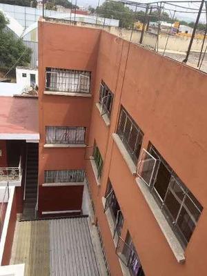 Venta De Edificio, Muy Comercial, Céntrico