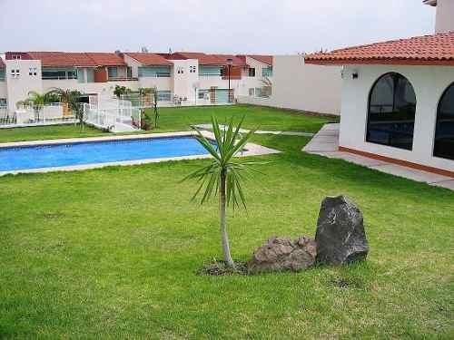 Preciosa Casa En Centro Sur, Privada Con Alberca, 3 Recamaras, 3.5 Baños, Jardín