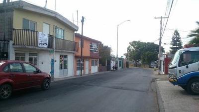 Casa En Venta Con Local Comercial Y Departamentos