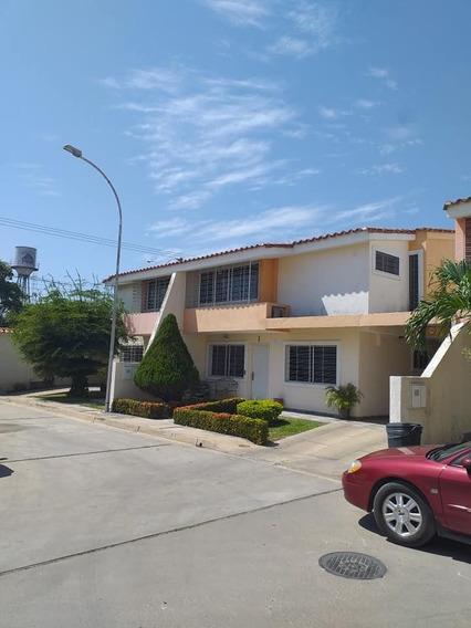 Townhouse En La Morita