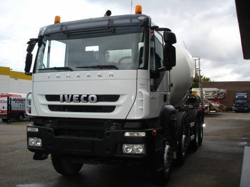 Camión Mixer Hormigonero Iveco Trakker 410