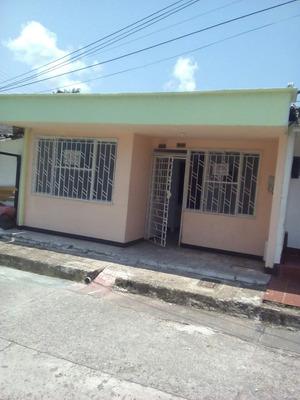 Casa Amplia Bien Ubicada Cerca Centro Comercial Viva