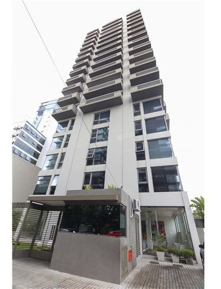 Exclusiva Oficina 245 M2/4 Cocheras/luz/amenities
