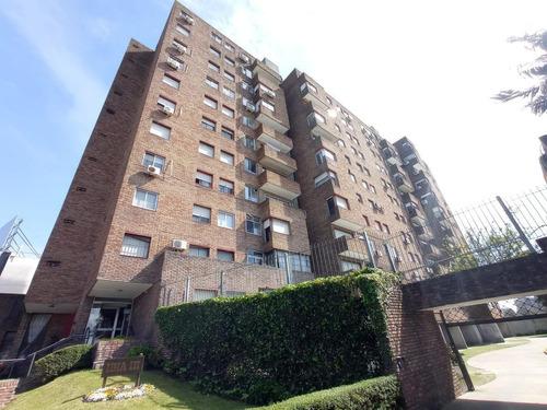 Imagen 1 de 14 de Apartamento - Av. Italia Frente A Shop. Plaza Italia!