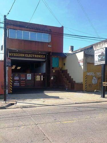 Retasado Local Comercial De 8.66x45 Con 450 Metros Cubiertos