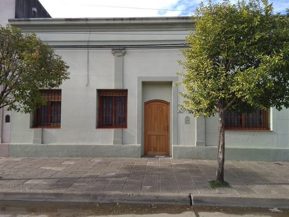 Venta - Casa Antigua Centrica - Navarro