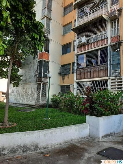 Apartamento En San Jacinto Maracay Piso Alto