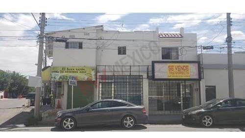 Local Comercial Con Dos Departamentos A La Venta En La Zona De Coloso Del Valle