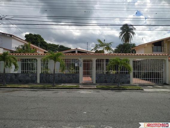Casa En La Urb Andres Bello Las Delicias, Maracay