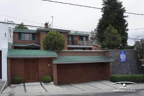 Espectacular Casa Con Doble Jardín, Cav-3717