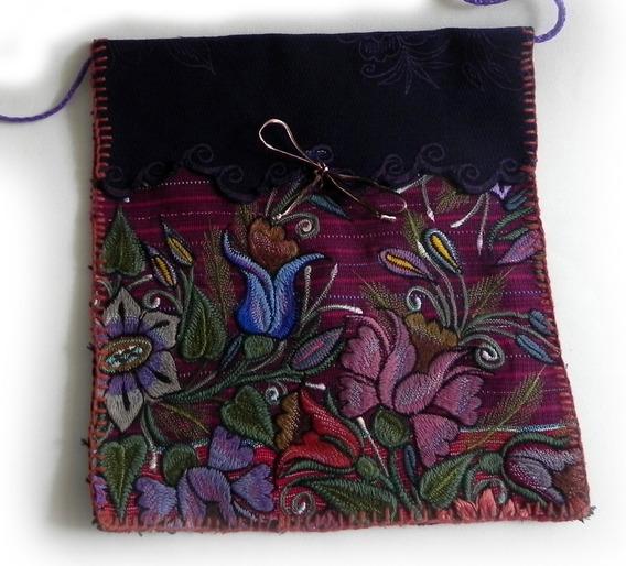 Bolsa En Bordado De Flores Artesanal Chiapaneco, Mod. #3