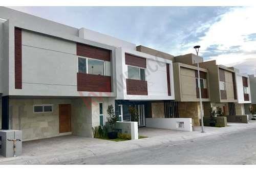 Vendo Casa Totalmente Equipada En Zibatá Con Roof Garden, Precio $3,196,000.- Pesos