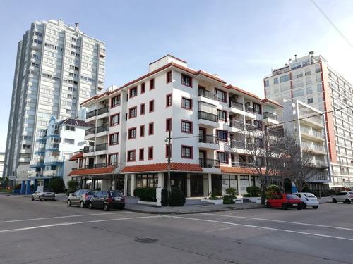 Apartamento En Península Punta Del Este (ref. 2688)